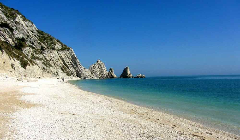 best places to visit in le marche conero riviera