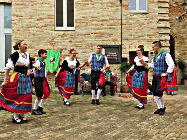 things to do in le marche folklore
