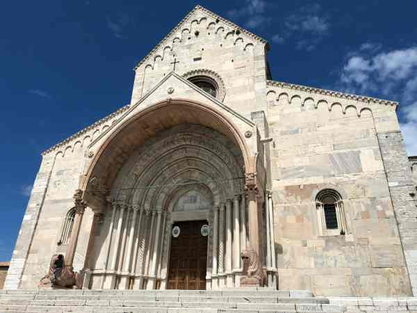 things to do in ancona italy cathedral