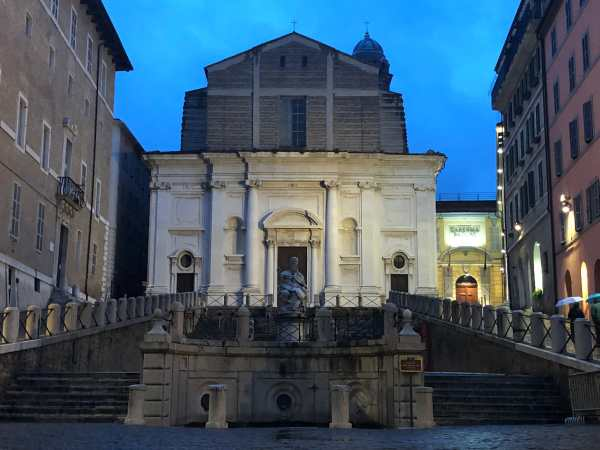 things to do in ancona piazza plebiscito