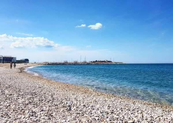 le marche beaches