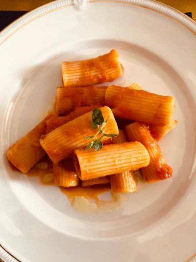 italian pasta pomodoro sauce