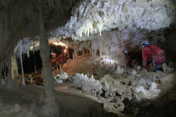 grotte frasassi speologic