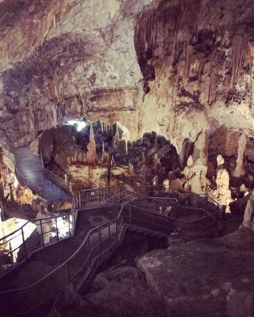 grotte frasassi italy