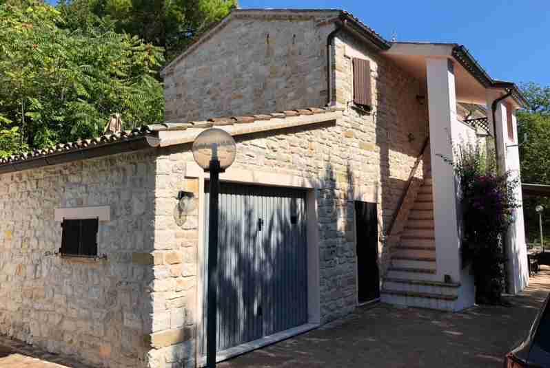 villa to buy in Portonovo Marche 1