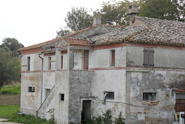 Farmhouse Civitanova Marche Italy 2