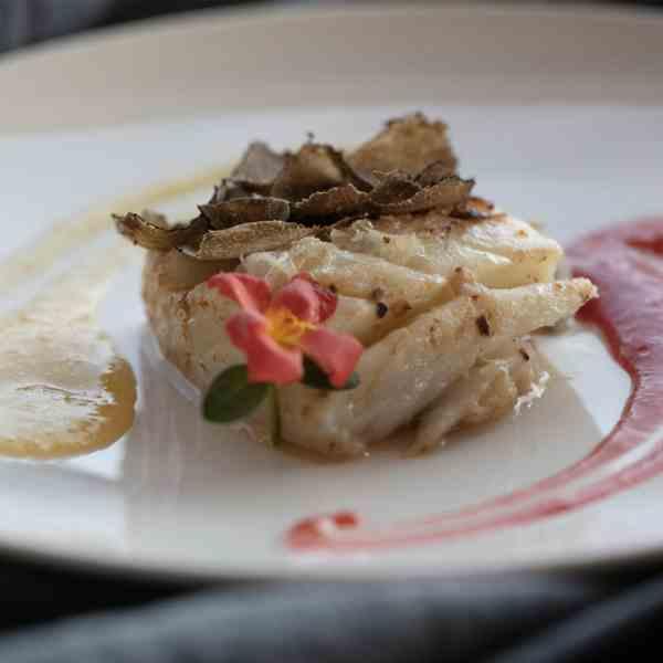 wine resort restaurant marche italy dishes