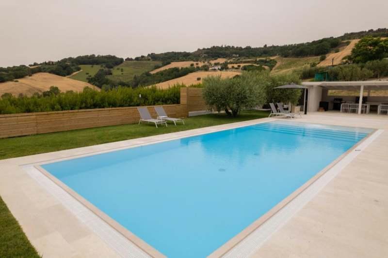 Villa with pool marche monterubbiano 3