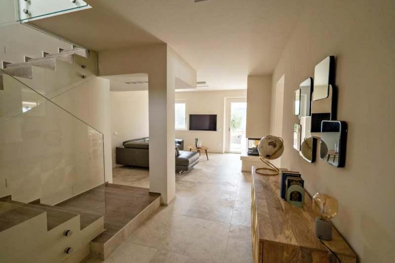 Villa with pool marche monterubbiano 5