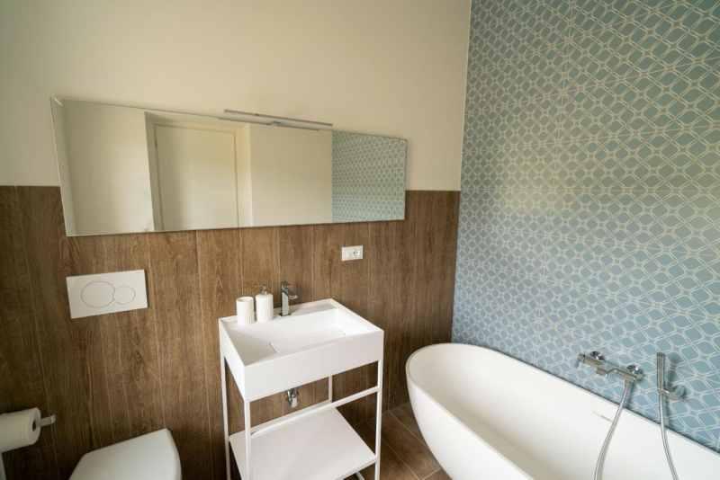 bathroom monterubbiano 1