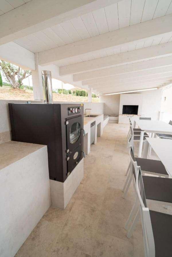 outdoor kitchen monterubbiano