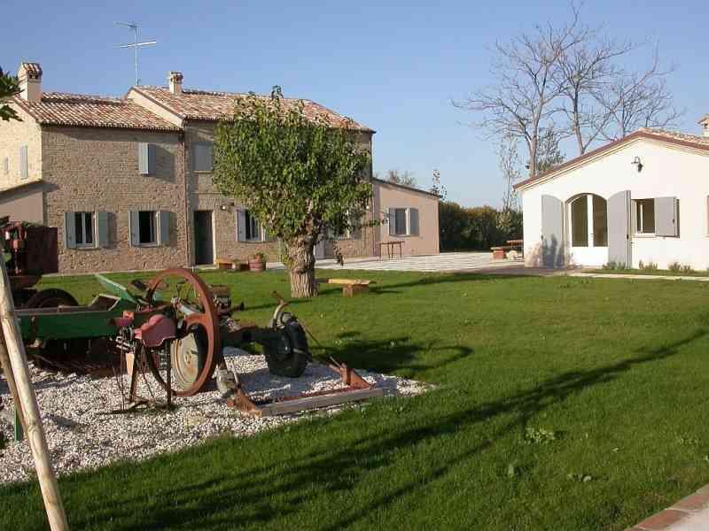 Farmhouse Metauro 1